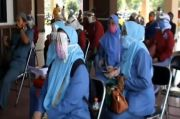 Jelang Sekolah Tatap Muka, Guru SD dan SMP di Surabaya Jalani Swab Test