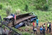 Rem Blong, Truk Bermuatan Kelapa Kecelakaan di Tol Bakauheni