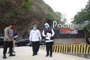 Tinjau Jembatan Ponorogo-Pacitan, Khofifah: Utamakan Keselamatan