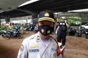 Pantau Pendemo, Ratusan Personel Polres Jakut Dikerahkan Jaga Perbatasan