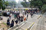 Mahasiswa Kecewa Aksi Demo Dibatasi Kawat Berduri