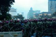 Lempari Polisi dengan Botol, Sekelompok ABG Nurut saat TNI Minta untuk Segera Pulang