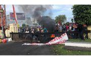 Aksi Tolak UU Cipta Kerja Ribuan Mahasiswa di Ternate Nyaris Ricuh