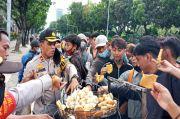 Cerita Kapolsek Kemayoran Traktir Demonstran Gorengan saat Aksi 2010