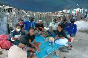Tinjau Korban Kebakaran, Anggota DPRD Jayapura Berikan Sembako