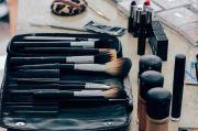 7 Makeup yang Dibutuhkan Wanita 40 Tahunan agar Selalu Tampil Cantik