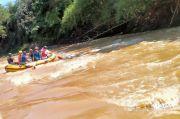 Siaga Bencana, Damkar Depok Susur Sungai Ciliwung Bersama Relawan