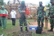 Danrem 102/Panju Panjung Tanam Pohon untuk Penghijauan di Lokasi TMMD Sampit