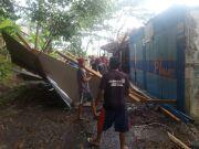 Puting Beliung Mengamuk di Cililin, 17 Rumah Rusak dan 1 Warga Terluka