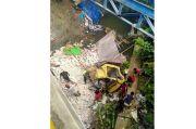 Dramatis, Penyelamatan Sopir Truk Terjun Bebas ke Sungai di Sukoharjo