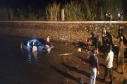 Dramatis, Aksi Warga Lahat Sumsel Menyelamatkan Pengemudi Mobil yang Terperangkap Banjir