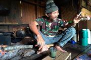 Kala Sang Surya Menepi di Kampung Loji, Setitik Cahaya Jadi Barang Langka