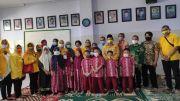 Rayakan HUT Partai Golkar, Sarmudji Serahkan Bantuan Popok Bayi