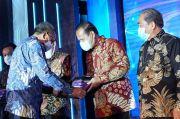 Bupati Luwu Terima Penghargaan TPAKD dari Gubernur Sulsel