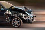 Kecelakaan Tunggal, Mobil Terguling di Tol Layang Jakarta Cikampek