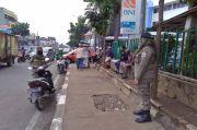 Mangkal di Trotoar dan Tidak Terapkan Prokes, Pedagang Makanan Ditertibkan