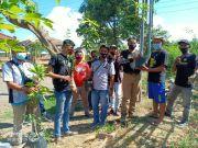 Jaga Kelestarian Alam, Anak-anak Muda Pasuruan Tanam Pohon Kayu Putih