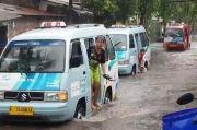 Hujan Guyur Jakarta, Jalan Nusa Indah Duren Sawit Tergenang 20 Sentimeter