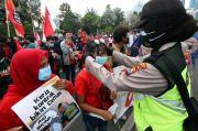Aksi Demonstrasi dan Kerumunan, Perpanjang Pandemi COVID-19 hingga Dua Bulan