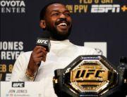 Dramatis! Nenteng Shotgun, Bintang UFC Jon Jones Usir Pencuri Mobil