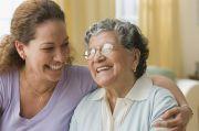 Dukungan Keluarga Bantu Lansia Beradaptasi dengan New Normal