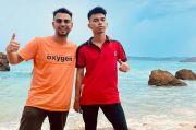 Raffi Ahmad dan Kembarannya Kompak Liburan ke Sumba