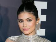 Rekomendasi Obat Jerawat Bella Hadid & Kylie Jenner Hanya 241ribu