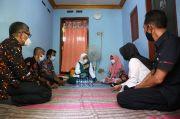 Menaker Ida Fauziyah Blusukan Sambangi Rumah Buruh Penerima BSU di Sidoarjo