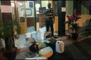 Polisi Gerebek Eks Terminal Cilembang, Ratusan Liter Tuak Disita