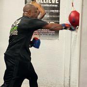 Kecepatan Tangan Roy Jones Jr Senjata Ampuh Habisi Mike Tyson!