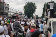 Turun di Stasiun Tanah Abang, Pendukung Habib Rizieq Jalan Kaki Menuju Petamburan
