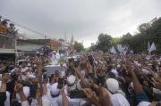 Bak Pengantin Betawi, Lantunan Salawat dan Bunyi Petasan Sambut Kedatangan Habib Rizieq di Petamburan