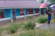 Intensitas Hujan Tinggi, Sekolah di Empat Lawang Terendam Banjir