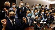 Para Anggota Parlemen Pro-Demokrasi Hong Kong Mengancam Mundur