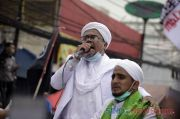 Pengamat: Revolusi Akhlak ala Habib Rizieq Ibarat Memaksa Nikita Mirzani Pakai Cadar