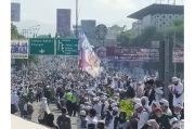 Habib Rizieq Shihab ke Puncak, Ribuan Orang Padati Simpang Gadog