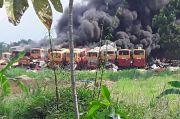Kuburan Bangkai Bus Transjakarta di Bogor Terbakar Hebat