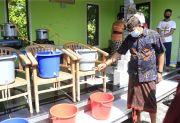 Wabup Kasta Apresiasi Produk Hand Sanitizer Wirausaha Muda