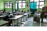 Siswa di Blitar Kembali Belajar Tatap Muka, Wali Murid: Tidak Efektif