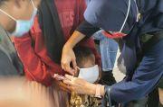Dinkes Makassar Bagi-bagi Masker di 10 Pasar Tradisional