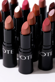 Lipstik Asal Turki Mengandung Macadamia Oil, Apa itu?