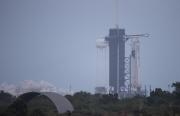 NASA Tunda Penerbangan Milestone SpaceX Hingga Minggu Karena Cuaca Buruk