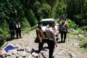 Bikin Merinding, Kisah Mobil Tersesat di Hutan Angker Usai Bertemu Perempuan Misterius