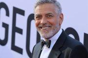 George Clooney Terima Penghargaan MoMA Film Benefit