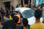 Kereta Api Hajar Taksi Online di Padang, 1 Tewas Seketika 2 Luka-luka