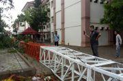 Hujan Disertai Angin Kencang, Tower Radio Kampus UIN Alauddin Makassar Tumbang
