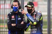 Duo Yamaha Gagal Total di Valencia, Rossi Salahkan Lorenzo