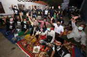 Ketika Para Santri dan Warga Ndresmo Dalem Menikmati Debat Pilwali Surabaya
