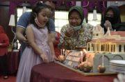 Penuh Haru Perayaan Ultah Risma Bersama Cucu dan Suaminya