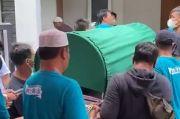 Ricky Yacobi Dimakamkan di TPU Tanah Kusir Usai Salat Ashar